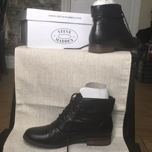 Steve Madden Leather lace up Stinnger Ankle Boots